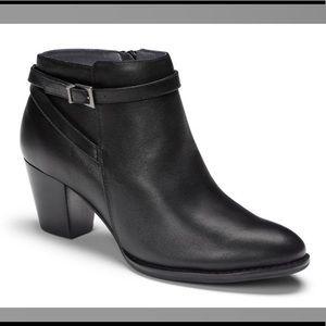 Vionic EUC Upton Black Booties with Box Size 10